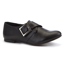 buckle pointed shoes
