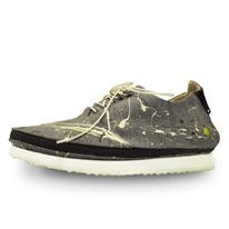 trekking sneakers