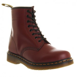 eye lace boots