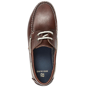 brown boat shoes 2