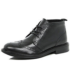 black brogue chukka