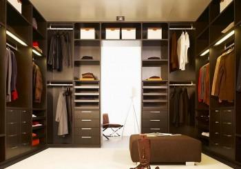10 Wardrobe Essentials Every Man Should Own